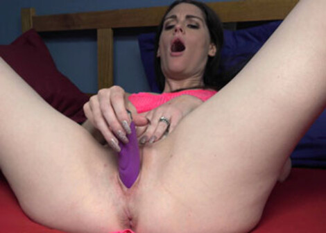 Aria Khaide has some fun with a vibrator